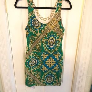 Arden B green dress with gold chain 💋🌼